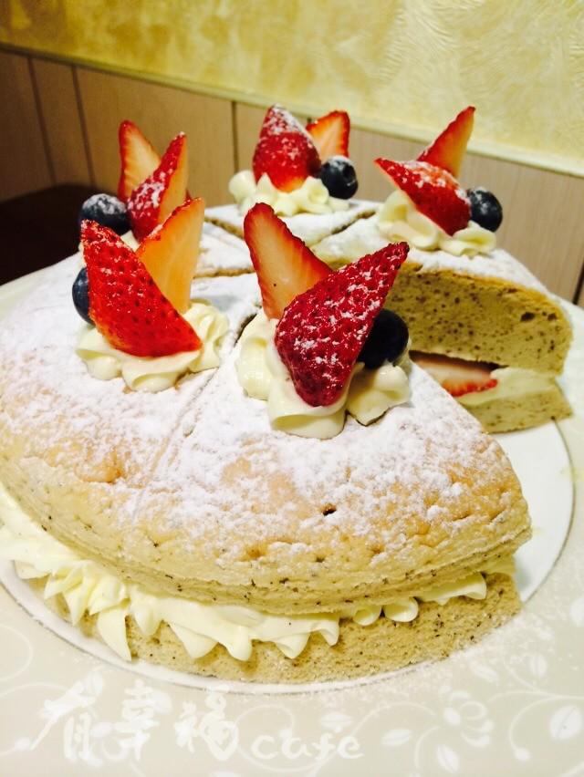 伯爵草莓戚風蛋糕